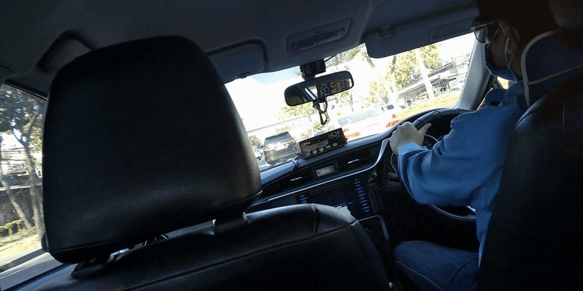 タイのタクシーの中,画像